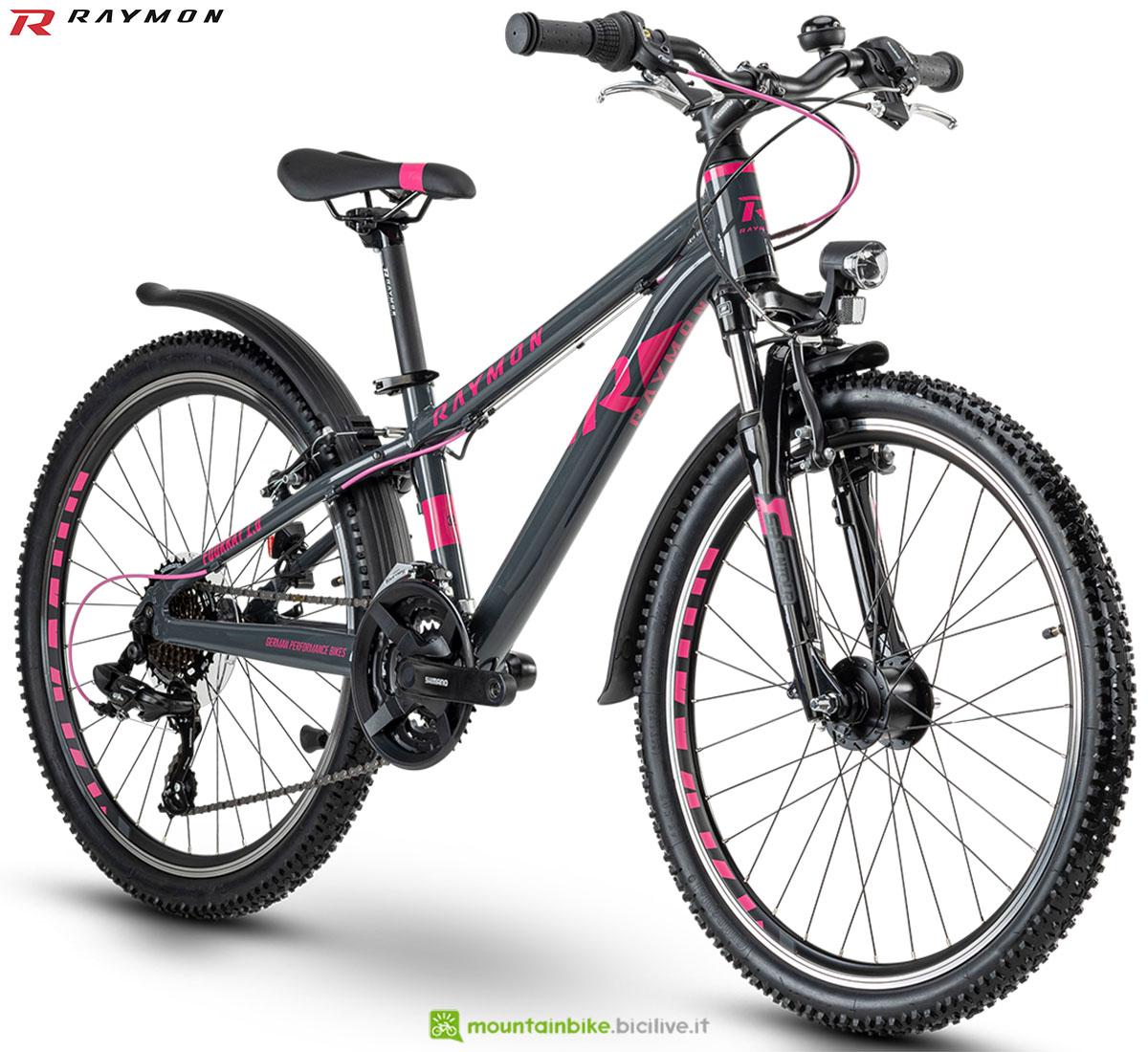 Una bici mtb R Raymon Fourray 1.0 2020