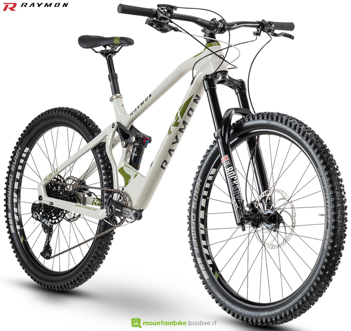Una bici mtb R Raymon Fullray 9.0 2020