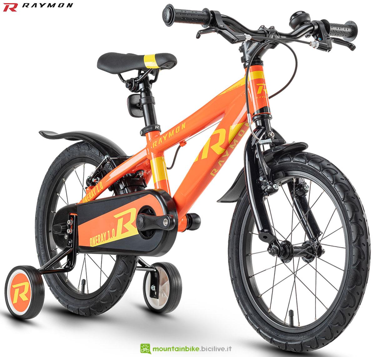 Una bici mtb R Raymon Oneray 1.0 2020