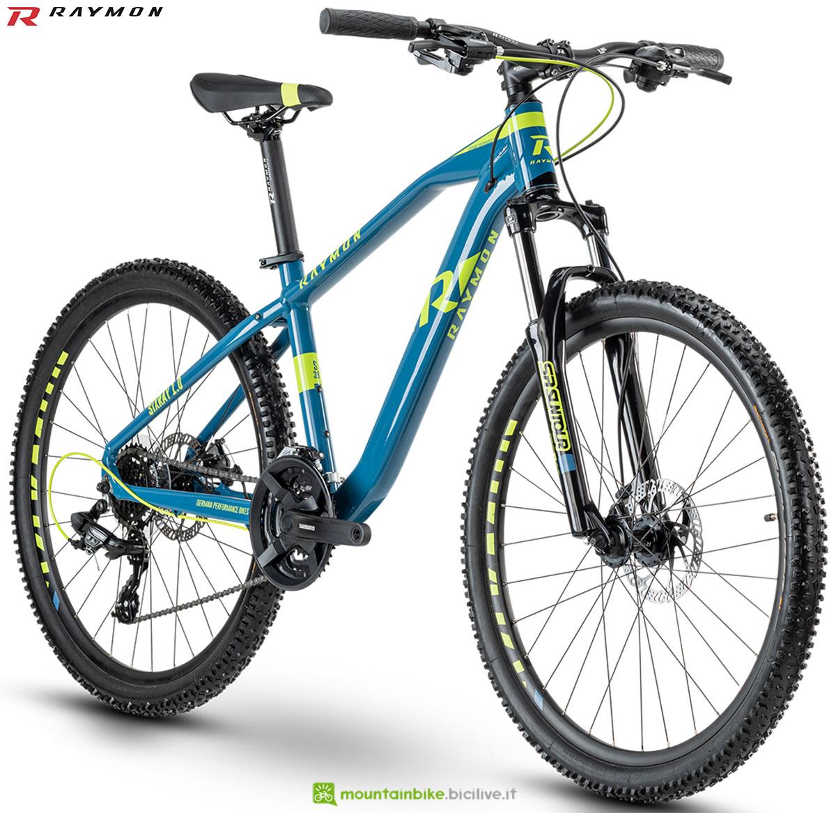 Una bici mtb R Raymon Sixray 1.0 2020