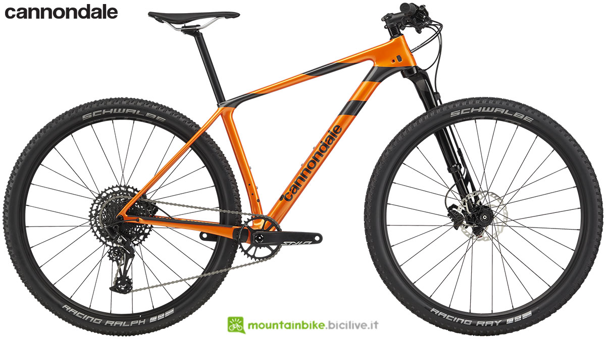 Una mtb front suspended Cannondale F-Si Carbon 4 gamma 2020