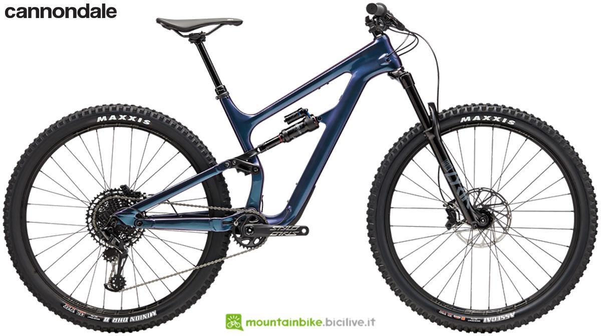 Una mountain bike Habit Carbon SE 2020