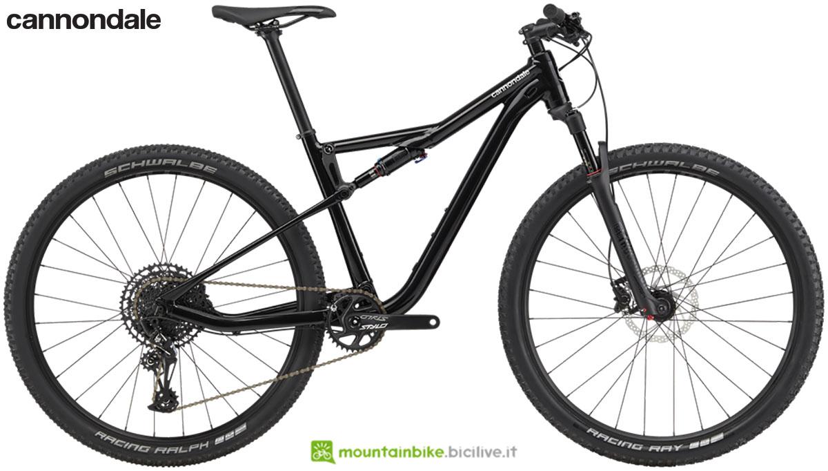 Una mountain bike biammortizzata Cannondale Scalpel Si 6 gamma 2020