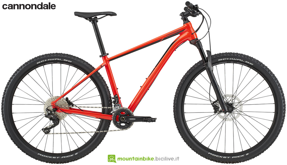 Una mtb hardtail Cannondale Trail 2 gamma 2020
