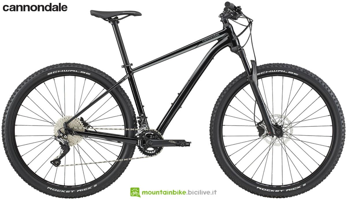 Una mountain bike front suspended Cannondale Trail 3 dal catalogo 2020