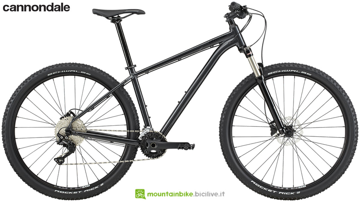 Una mountain bike front Cannondale Trail 5 dal listino 2020