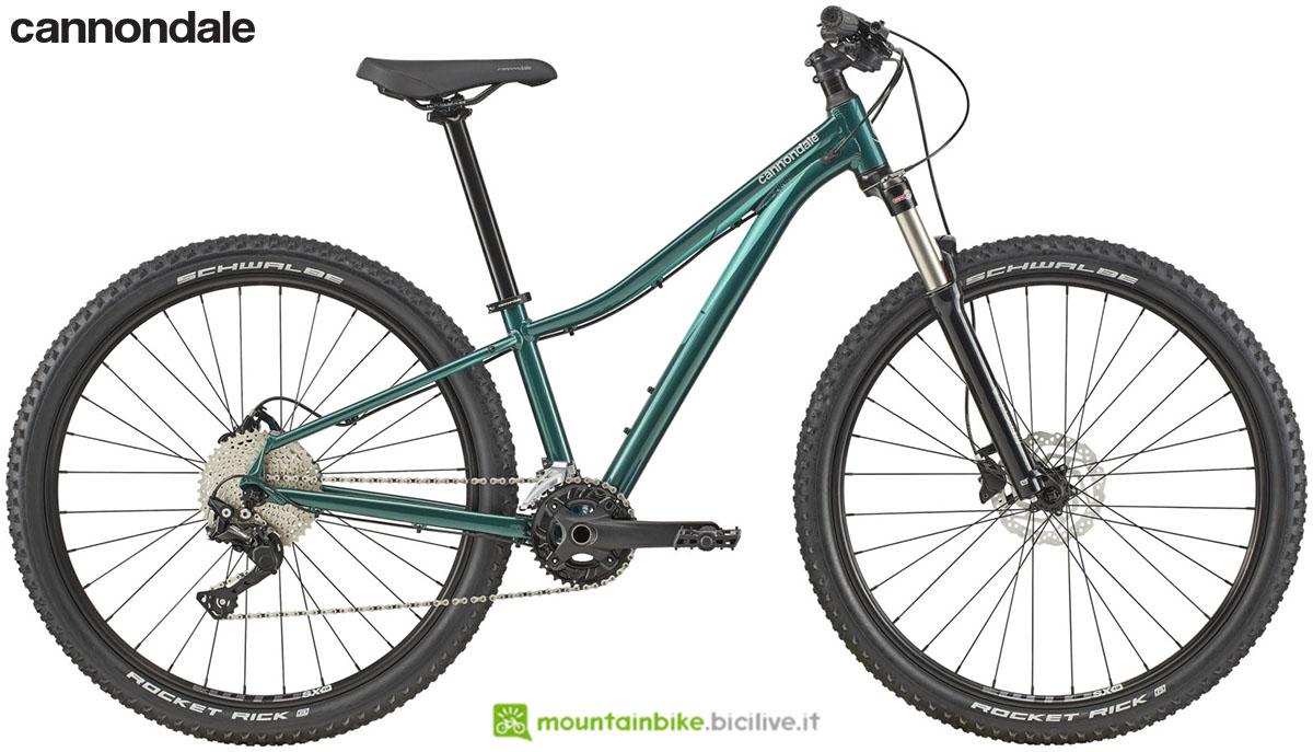Una bicicletta con telaio da donna Cannondale Trail Women's 3 2020