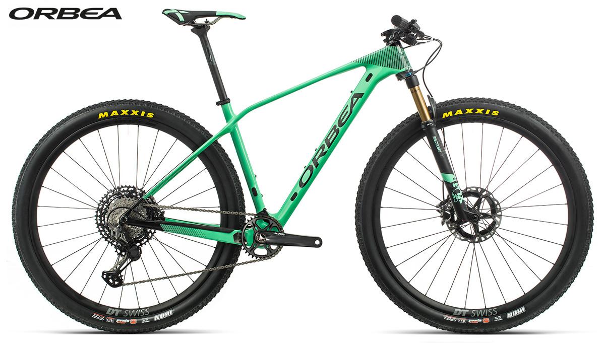 Una mountain bike front suspended Orbea Alma M-TEAM gamma 2020