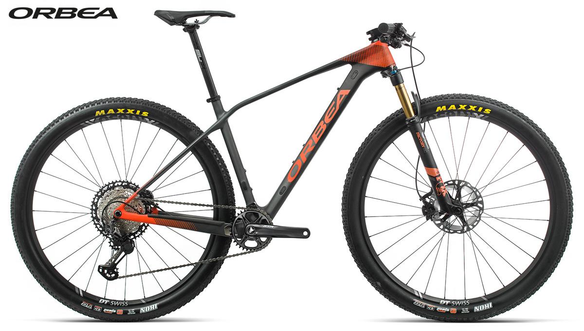 Una mountain bike muscolare Orbea Alma M10 2020