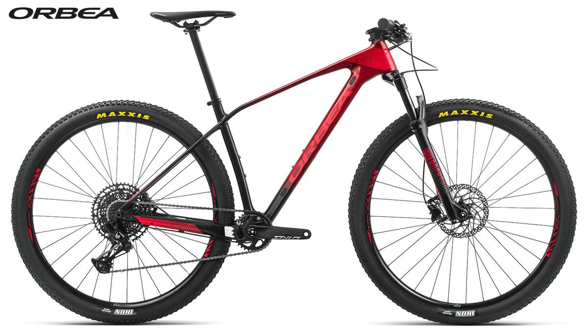Una mountain bike Orbea Alma M50 Eagle