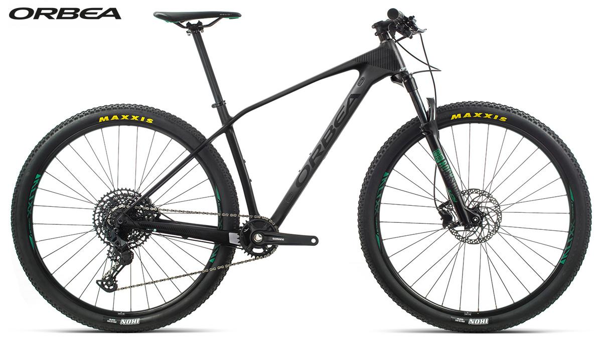 Una mountain bike hardtail Orbea Alma M50 anno 2020