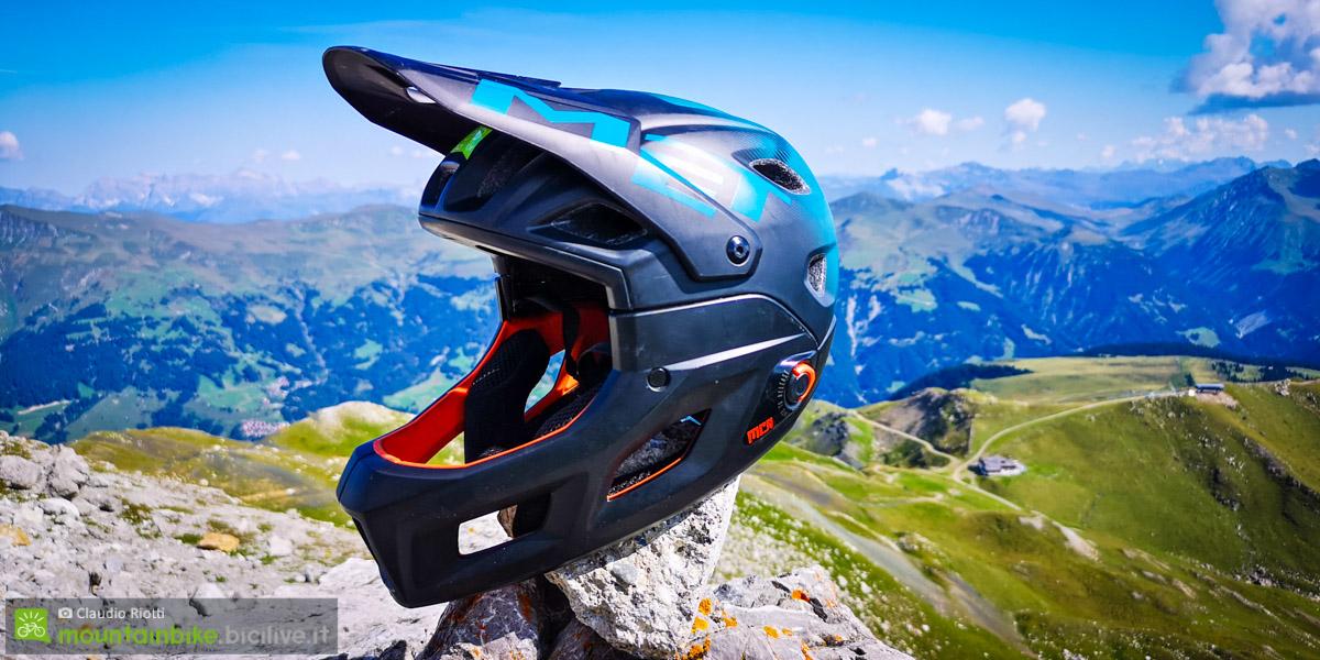 foto del casco enduro MET parachute mcr