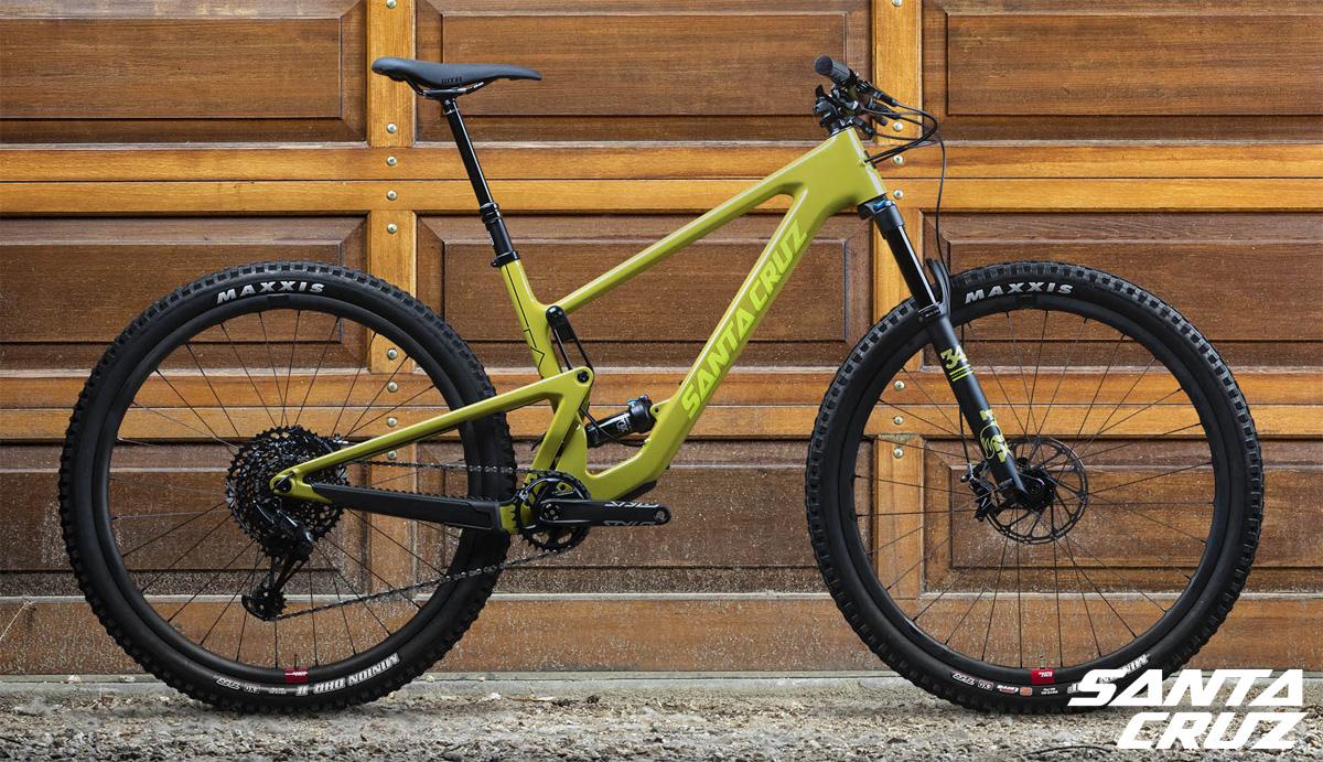 Una mountain bike biammortizzata Santa Cruz Tallboy 2020
