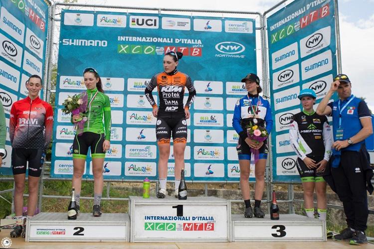 Atlete sul podio della gara degli Internazionali d'Italia 2019 a Pineto