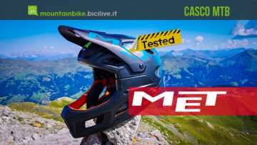 Il test del casco da enduro MET Parachute MCR con mentoniera rimovibile