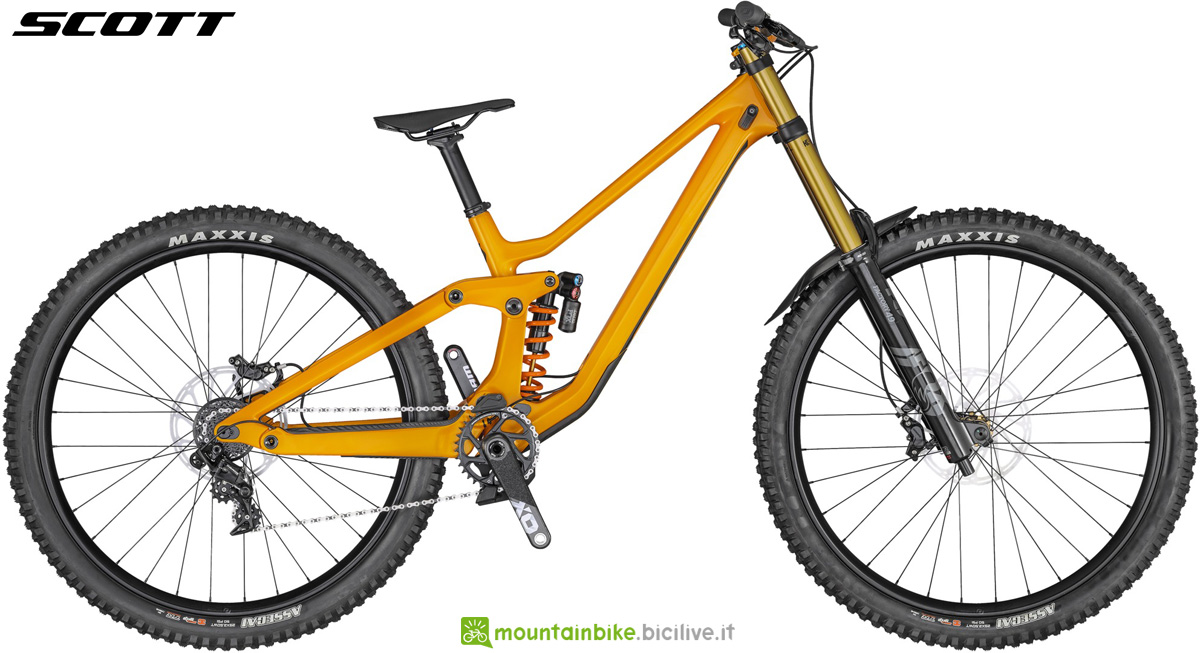 Una mountain bike biammortizzata da DH Scott Gambler 900 Tuned anno 2020