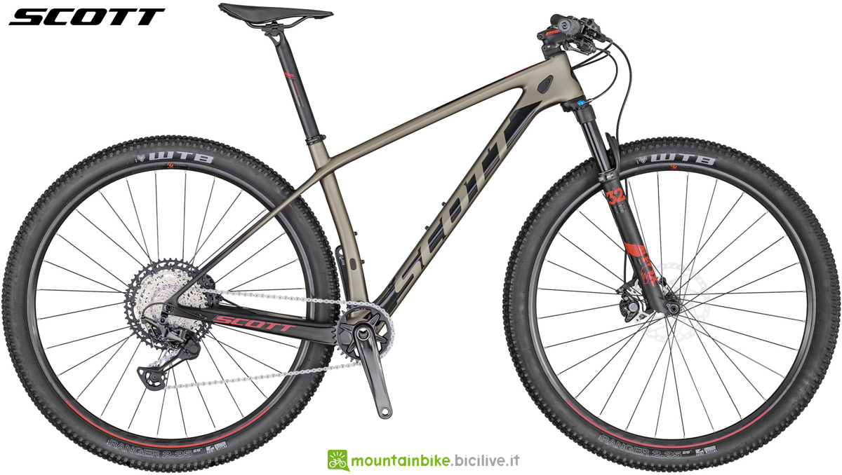 Una mtb hardtail da Cross Country Scott Scale 910 2020