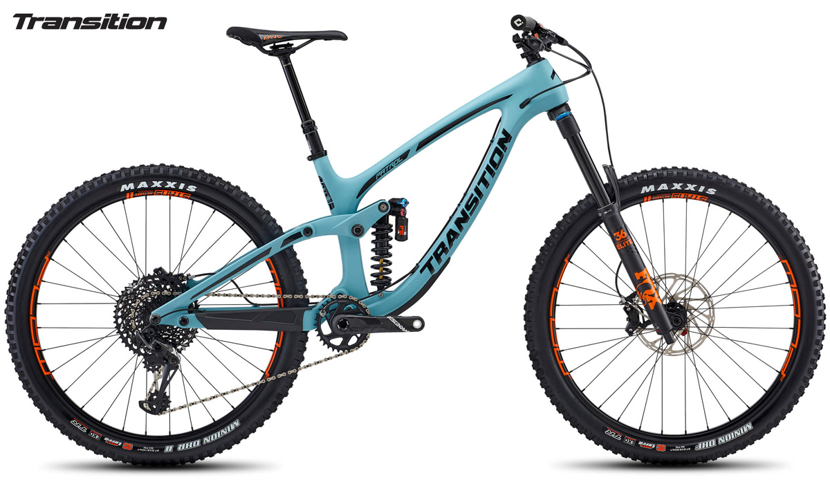 Una mountain bike full suspended Transition Patrol Carbon X01 dal listino 2020