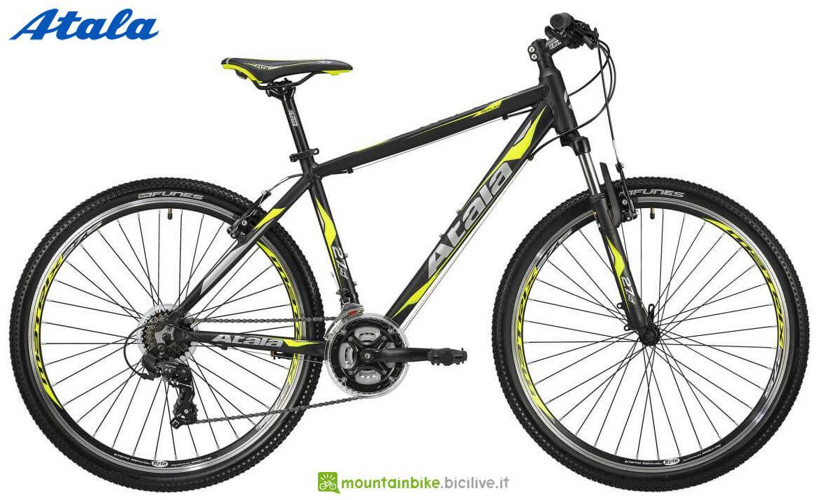 Una bici da offroad Atala Replay STEF 27,5 21V VB 2020