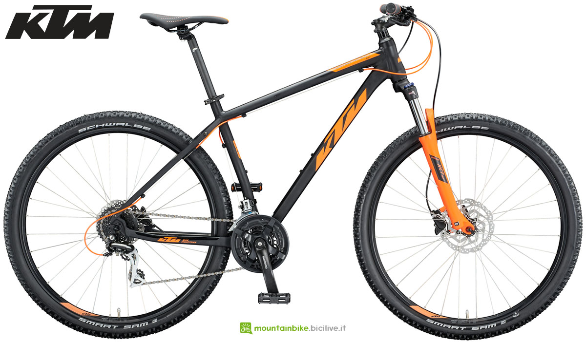 Una mountain bike KTM Chicago Disc 29 2020