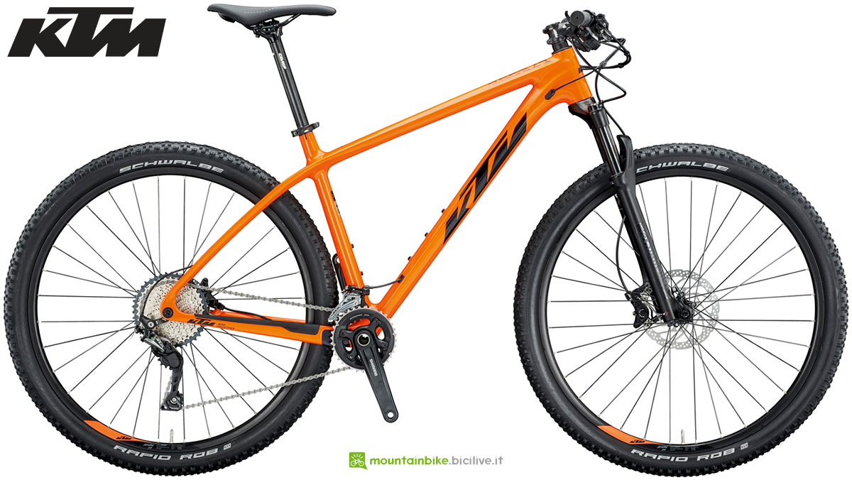 Una mountain bike KTM Myroon Alpha 2020
