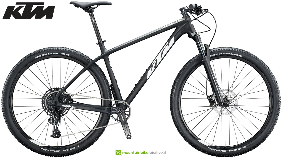 Una bici KTM Myroon Comp 2020