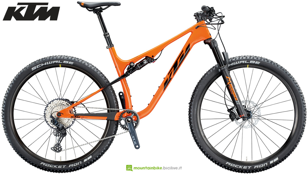Una mountain bike KTM Scarp MT Elite 2020