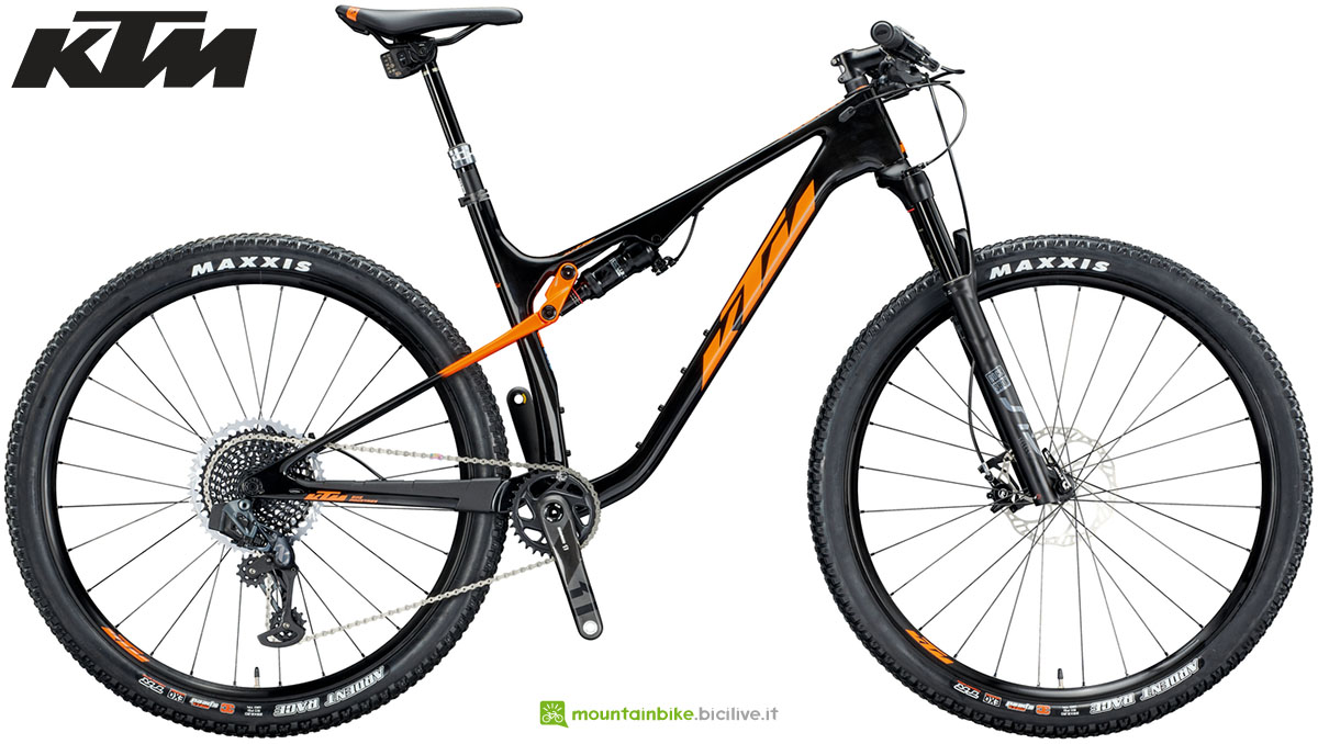 Una mountain bike KTM Scarp MT Prestige Carbon 2020