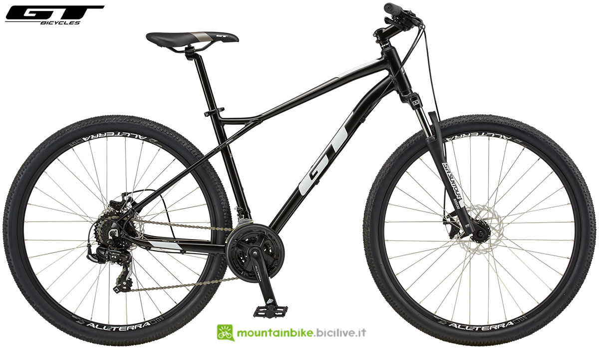 Una mountain bike enrty level GT Aggressor Sport gamma 2020