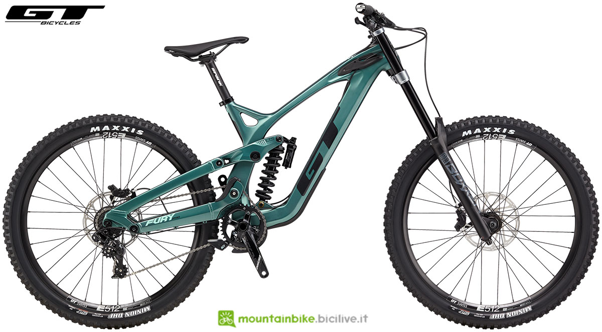 Una mountain bike biammortizzata GT Fury Pro 2020