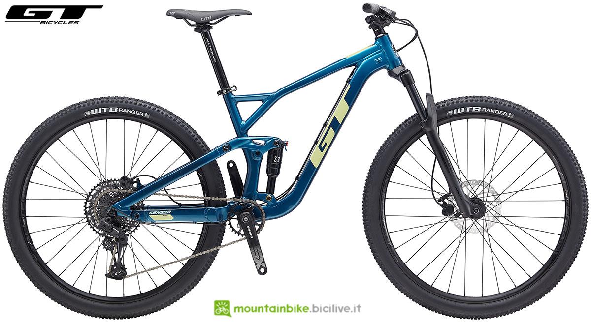 Una bicicletta da fuori pista GT Sensor Sport 2020