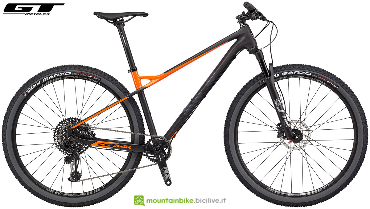 Una mountain bike front GT Zaskar Carbon Expert stagione 2020