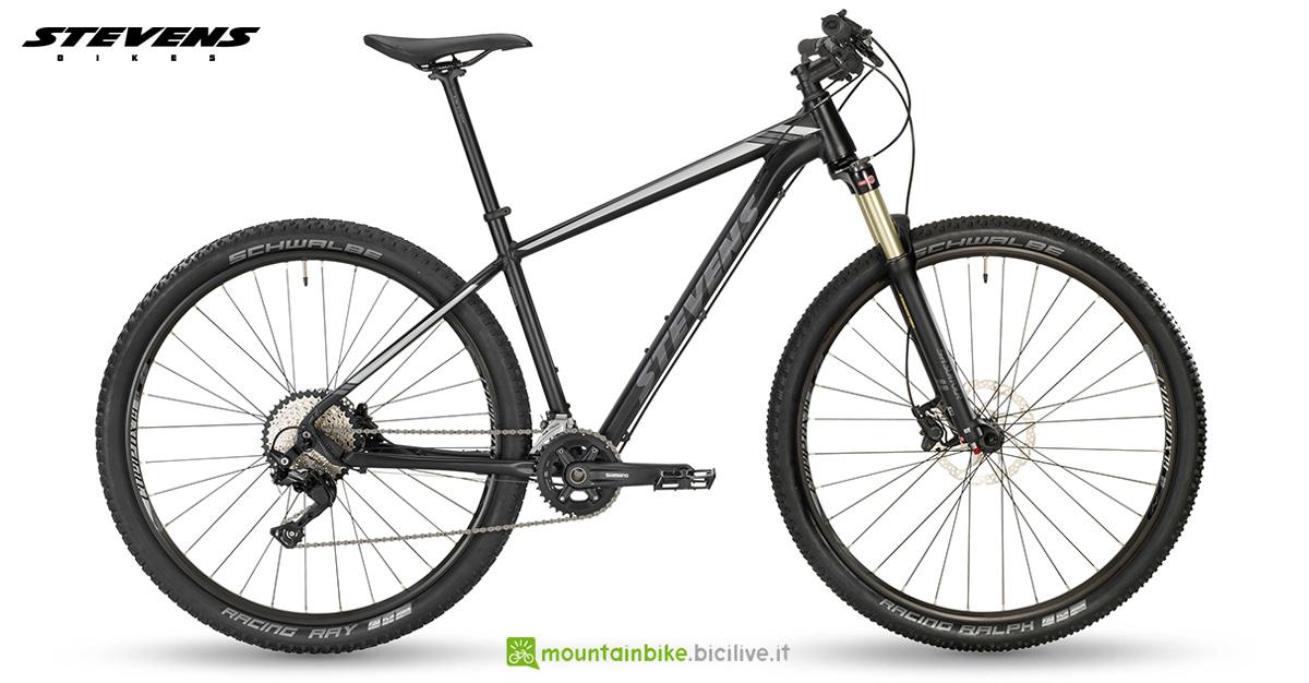 Una bici hardtail Stevens Applebee