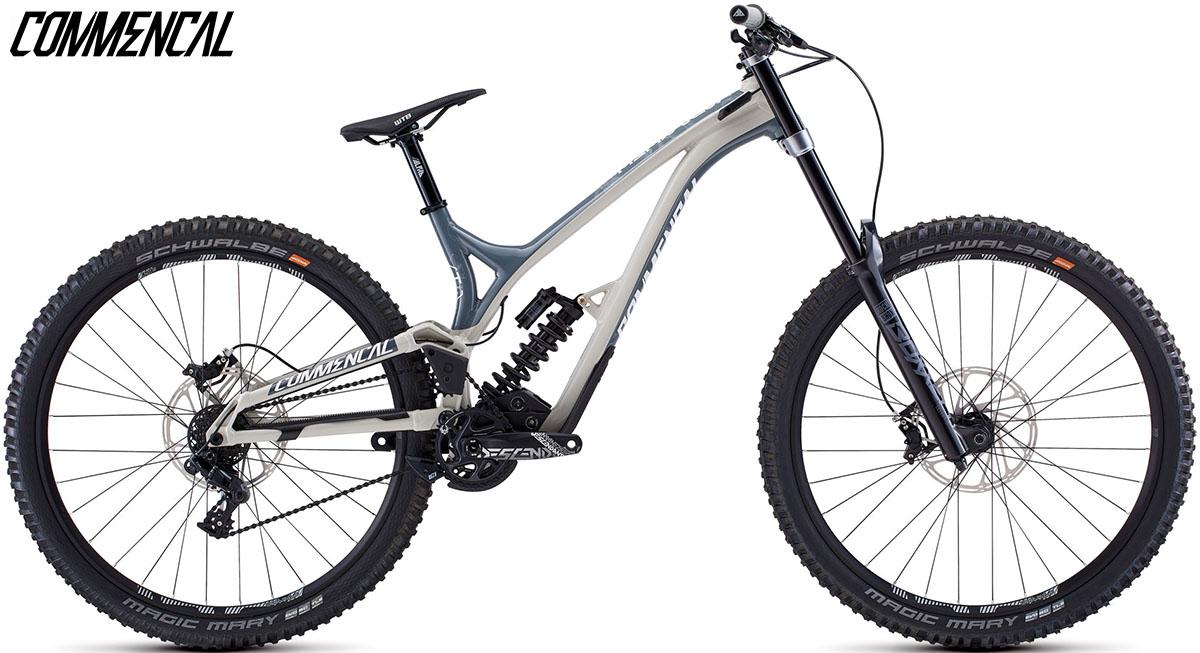 "Una bici Commencal Supreme DH 29"" Race 2020"