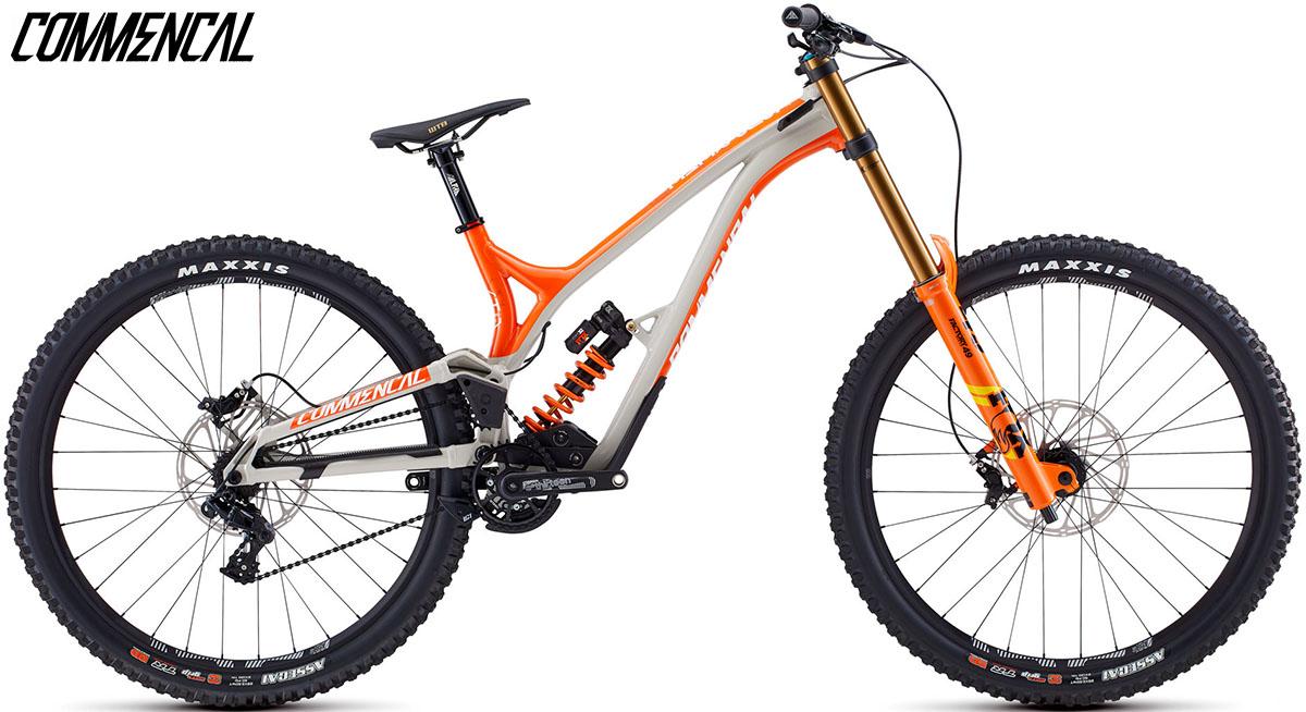 """Una bici Commencal Supreme DH 29"""" Signature 2020"""