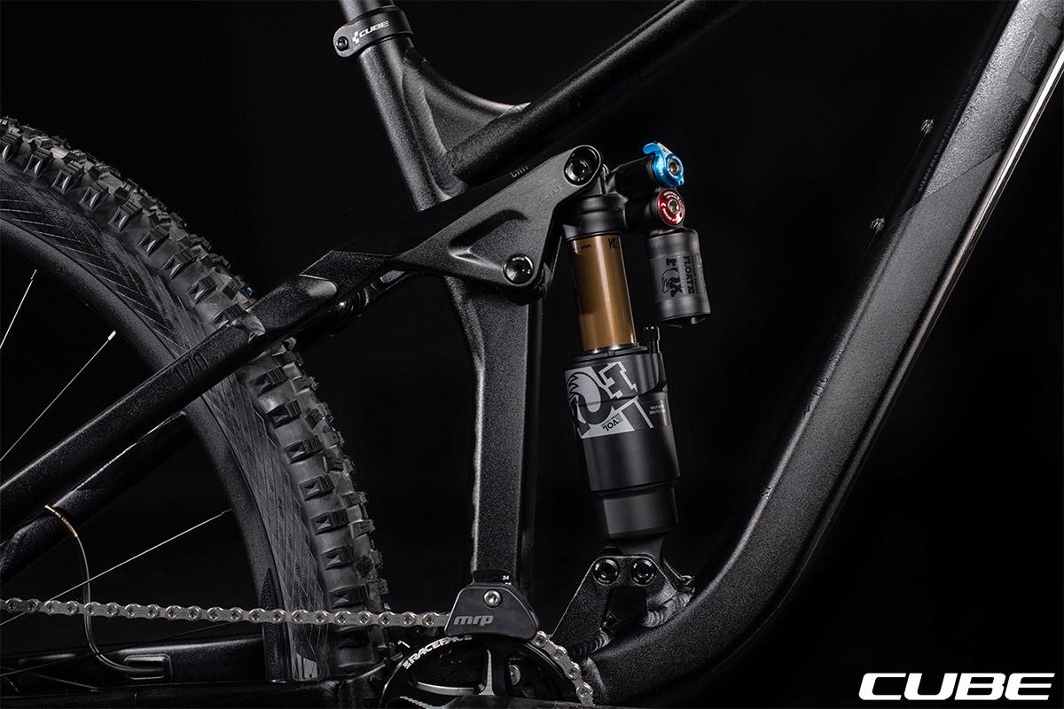 Una bici Cube Stereo 170 SL 29con montato ammortizzatore Flip Chip 2020