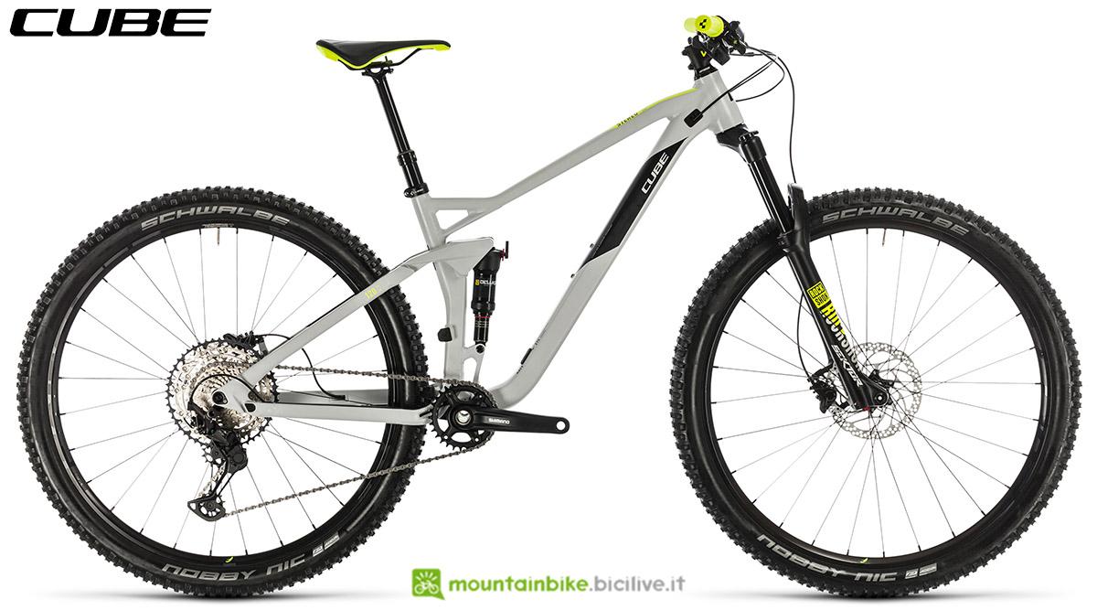 Una bici Cube Stereo 120 Race 29 2020
