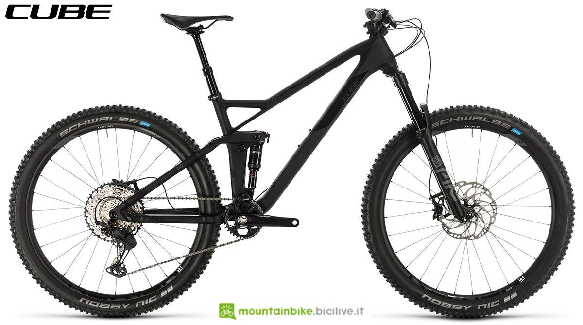 Una bici Cube Stereo 140 HPC SL 27.5 2020