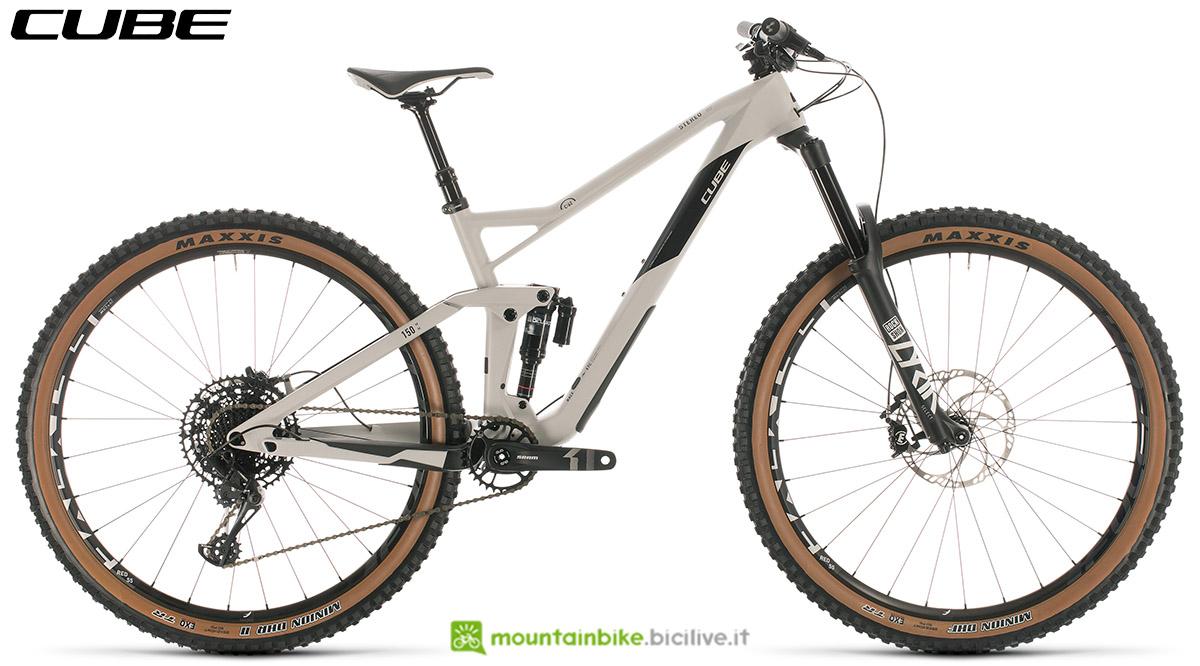 Una bici Cube Stereo 150 C:62 Race 29 2020