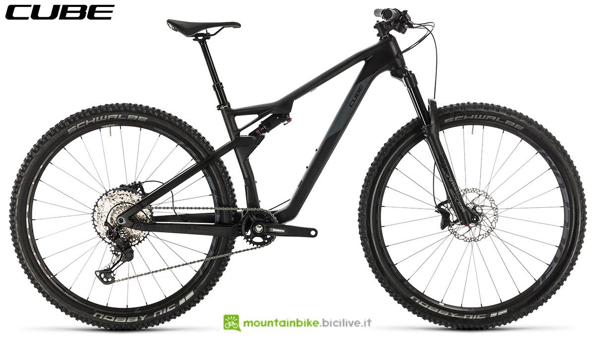 Una bici Cube AMS 100 C:68 Race 2020