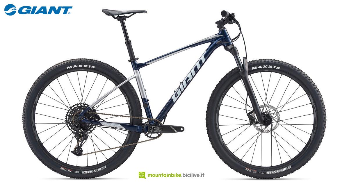 Una mountain bike hardtail Giant Fathom 29 1