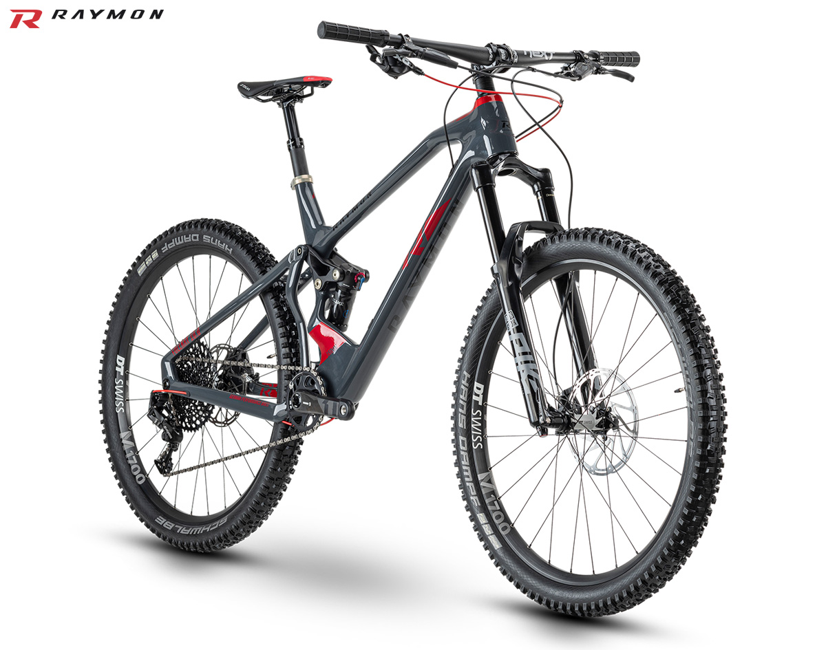 Una mountain bike full suspended R Raymon FullRay 10.0 gamma 2020