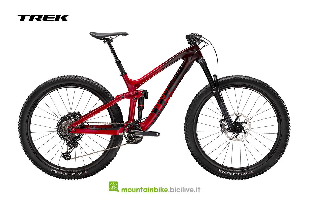 bicicletta Slash 9.9 XTR vista di profilo rossa
