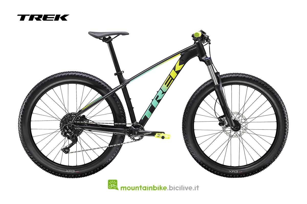 una bicicletta Roscoe 6 vista di profilo nera con particloari giallo/verdi