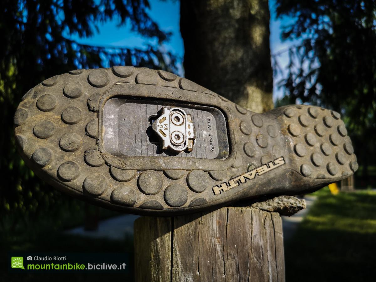 Foto della suola delle scarpeda MTB Fiveten Kestrel BOA Pro