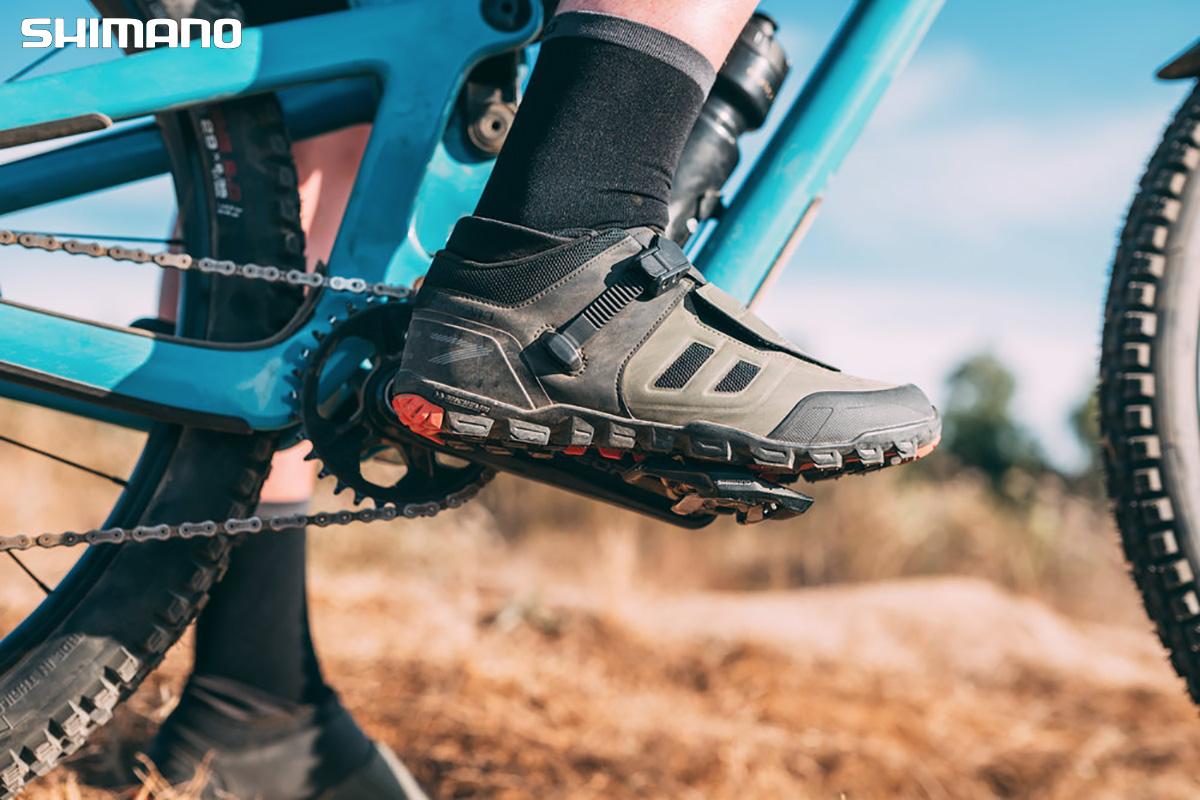 La nuova scarpa per mtb Shimano ME7 2021