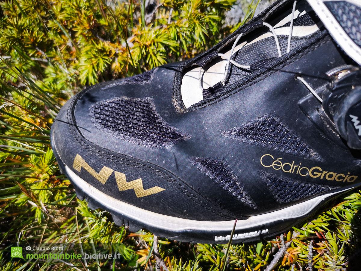 Foto della punta delle scarpe Enduro Mid da MTB