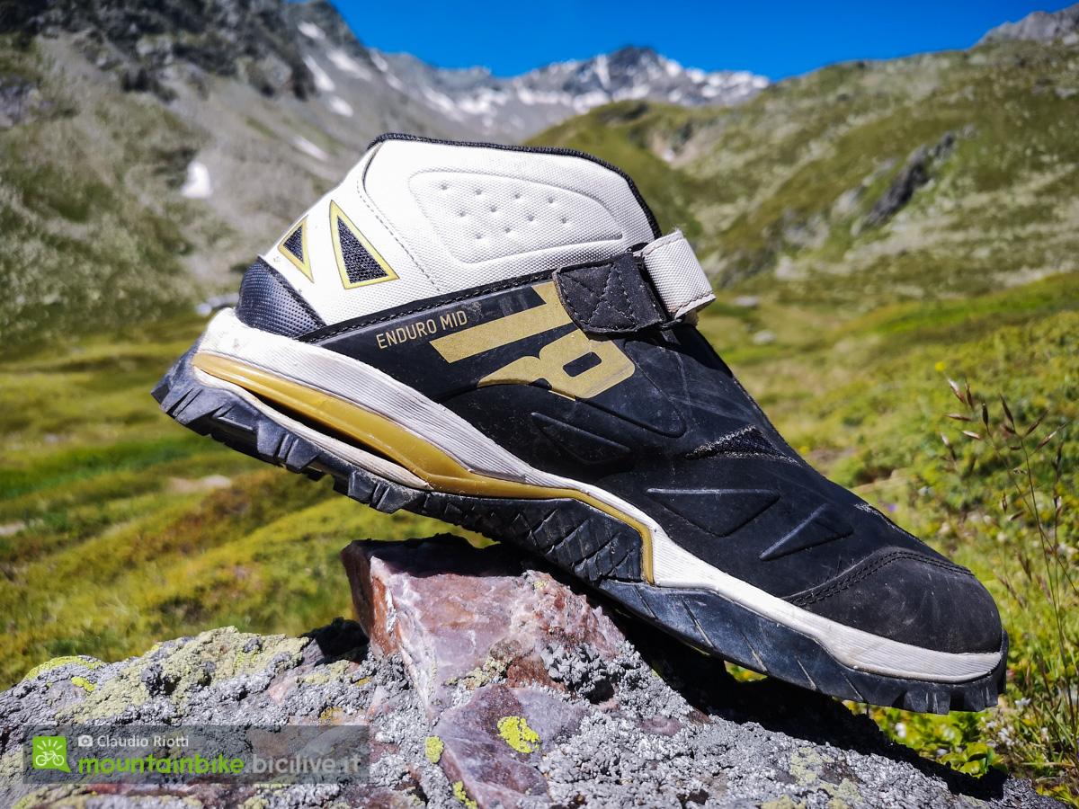 Foto delle calzature Northwave Ednuro Mid di profilo