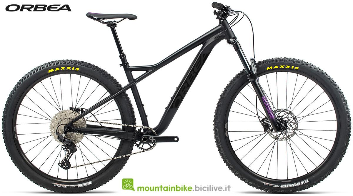 La nuova mountain bike front suspended Orbea Laufey H30 2021