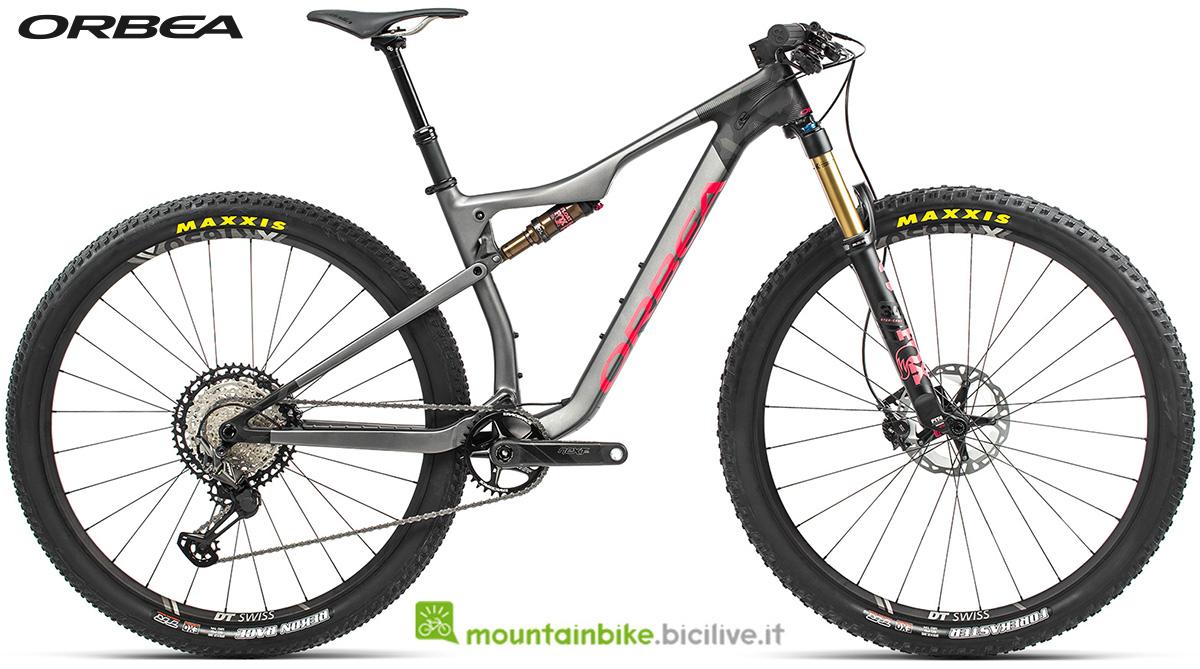 La nuova mountain bike biammortizzata Orbea Oiz M Pro TR 2021